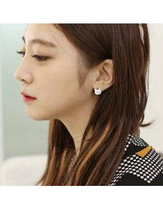 [AS05] Angry Cat Earring