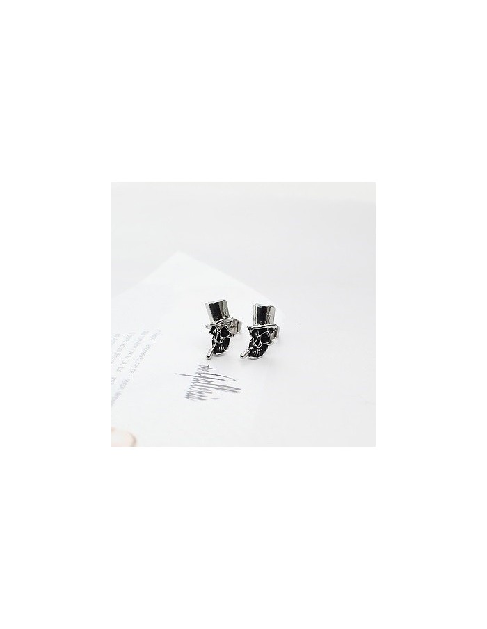 [IN31] Infinite Style Smoke Skull Piercing & Earring