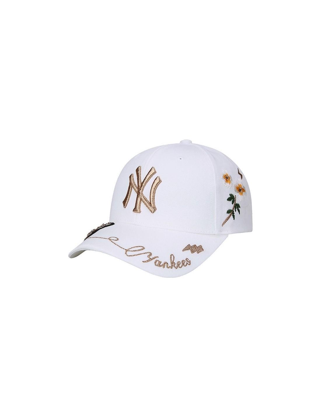 EXO X MLB New Crew - Goldbee Yankees Curve Cap 80dae14366e